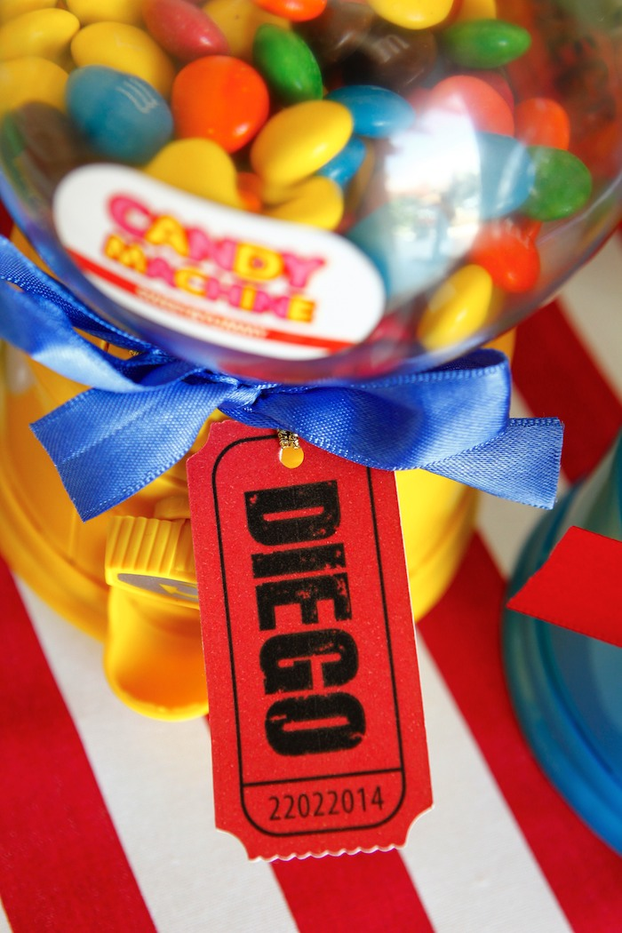 Greatest Showman Inspired Circus themed birthday party via Kara's Party Ideas KarasPartyIdeas.com Cake, supplies, printables, food, and more! #circus #circusparty #circuspartyideas (3)