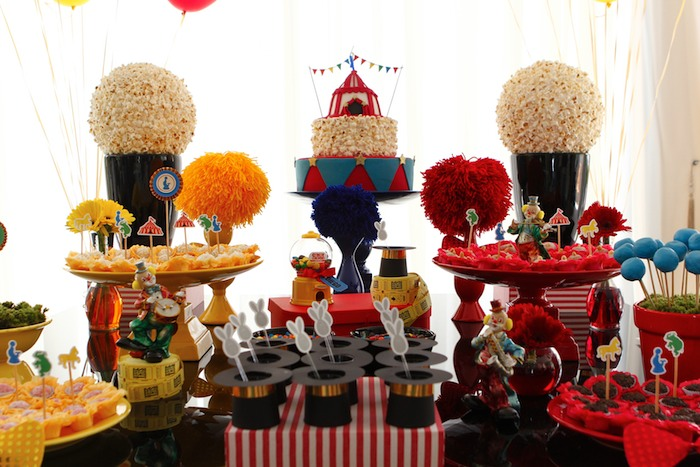 Greatest Showman Inspired Circus themed birthday party via Kara's Party Ideas KarasPartyIdeas.com Cake, supplies, printables, food, and more! #circus #circusparty #circuspartyideas (9)