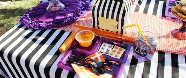 Hocus Pocus Halloween Party via Kara's Party Ideas KarasPartyIdeas.com Cake, banners, favors, food, supplies, and more! #halloween #halloweenparty #hocuspocus #halloweenpartyideas (2)