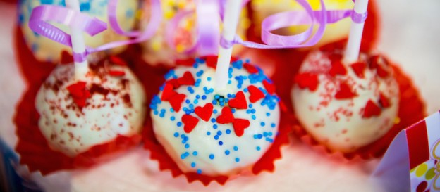 Carnival Birthday Party via Kara's Party Ideas KarasPartyIdeas.com Cake, supplies, decor, banners, food, and more! #carnivalparty #carnivalbirthdayparty #carnival #carnivalcake (1)