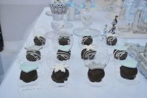 Frozen Winter Wonderland Birthday Party via Kara's Party Ideas KarasPartyIdeas.com Cake, printables, desserts, favors, food, and more! #frozen #frozenparty #winterwonderland #winterwonderlandparty #winterpartyideas (4)