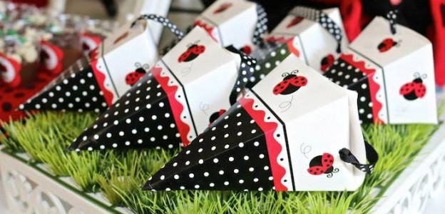 Ladybug themed birthday party via Kara's Party Ideas KarasPartyIdeas.com The Place For All Things Party! #ladybugparty #ladybugcake #ladybugpartyideas (1)