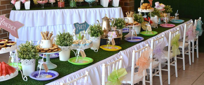 Kara 39 s party ideas alice in wonderland un birthday tea - Alice in wonderland tea party decorations ...