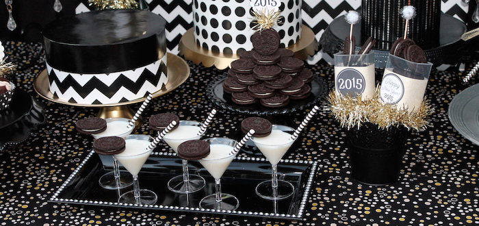 Kara's Party Ideas Black & White New Year's Eve Party