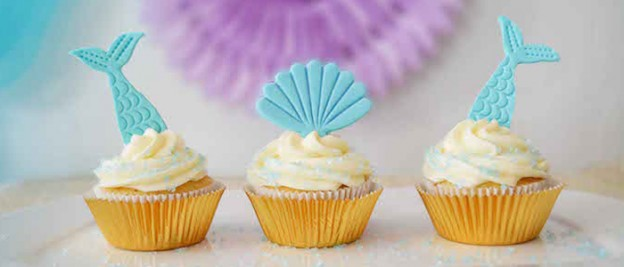 Mermaid Birthday Party via Kara's Party Ideas KarasPartyIdeas.com Printables, cake, decor, tutorials, cupcakes, recipes, and more! #mermaidparty #mermaid #mermaidpartyideas #mermaidbirthdayparty #mermaidcake #mermaidcupcakes (1)