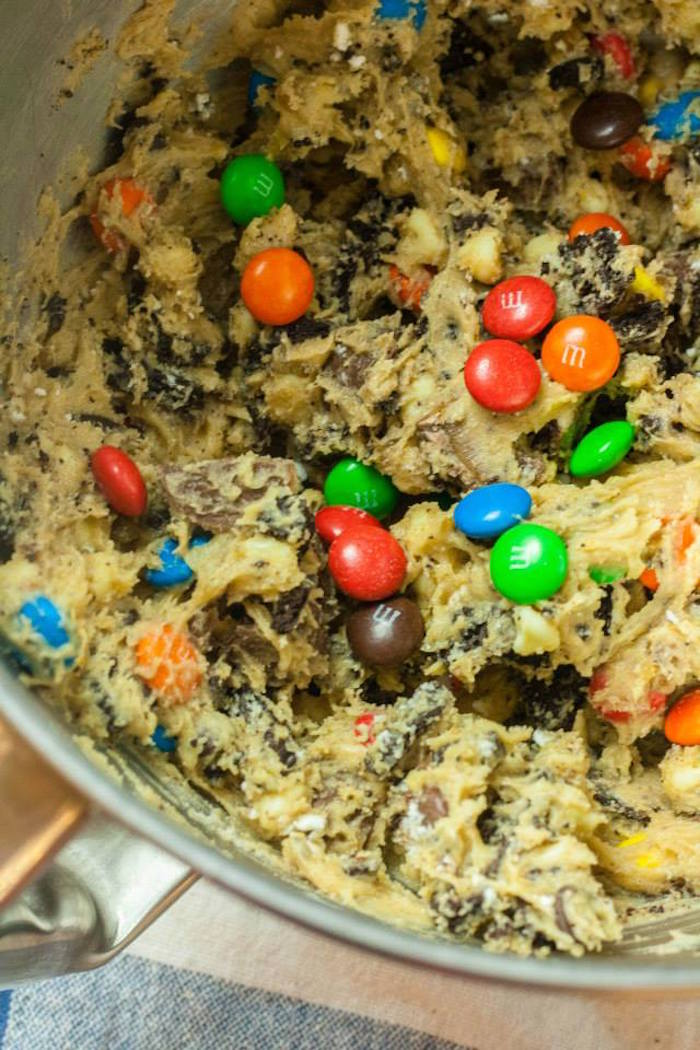 Kara 39 s party ideas chocolate overload cookie bar recipe for Bar food ideas recipes