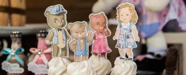 Goldilocks & The Three Bears Themed Birthday Party via Kara's Party Ideas KarasPartyIdeas.com The Place for All Things Party! #goldilocks #goldilocksandthethreebears #goldilocksandthethreebearsparty #goldilocksparty #threebearsparty (2)