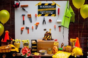 Come Dig With Me Construction Themed Birthday Party via Kara's Party Ideas KarasPartyIdeas.com Cake, decor, banners, desserts, food and more! #construction #constrcutionparty #constructionpartyideas #boypartyideas (23)