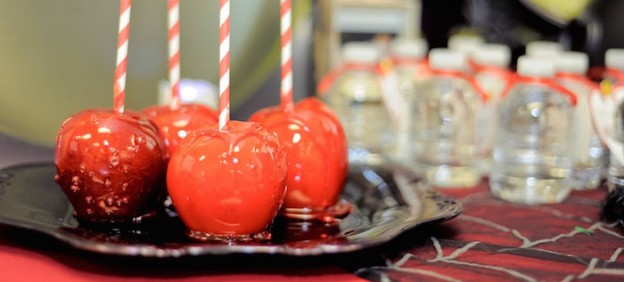 Vintage Inspired Snow White Themed Birthday Party via Kara's Party Ideas KarasPartyIdeas.com The Place For All Things Party! #snowwhiteparty #snowwhite #snowwhitepartysupplies #snowwhitecake #sevendwarfs #poisonedapple (2)