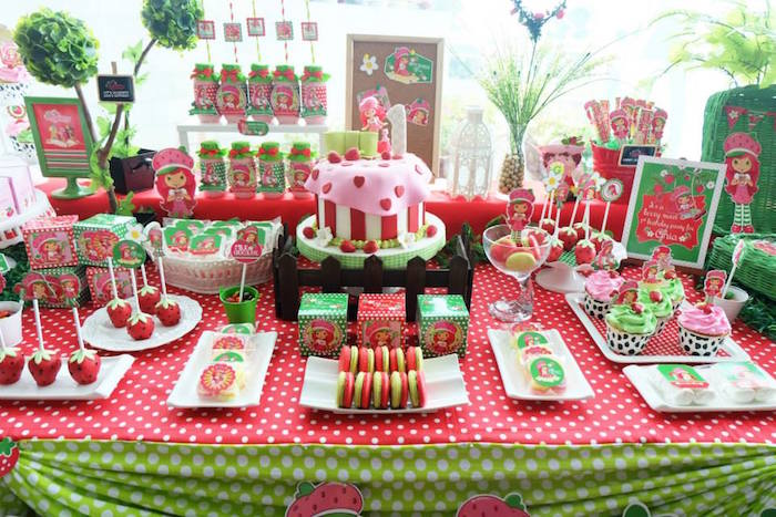 Kara 39 s party ideas strawberry shortcake themed birthday party via kara 39 s party ideas - Strawberry themed kitchen decor ...