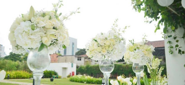 Beautiful White and Cream Wedding Flowers
