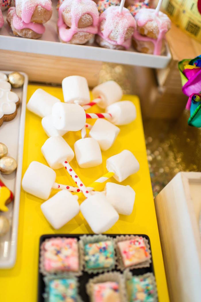 Greatest Showman Inspired Circus + Carnival Birthday Party via Kara's Party Ideas KarasPartyIdeas.com Party supplies, cake, tutorials, giveaways, food and more! #circus #circusparty #carnival #carnivalparty #circuscake #circuspartysupplies #genderneutral #genderneutralparty #karaspartyideas (15)