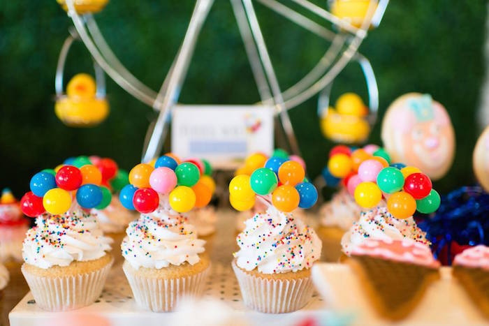 Greatest Showman Inspired Circus + Carnival Birthday Party via Kara's Party Ideas KarasPartyIdeas.com Party supplies, cake, tutorials, giveaways, food and more! #circus #circusparty #carnival #carnivalparty #circuscake #circuspartysupplies #genderneutral #genderneutralparty #karaspartyideas (8)
