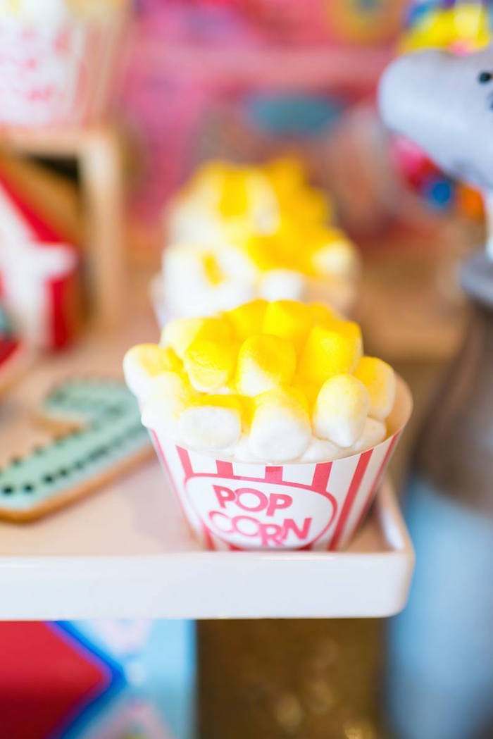 Greatest Showman Inspired Circus + Carnival Birthday Party via Kara's Party Ideas KarasPartyIdeas.com Party supplies, cake, tutorials, giveaways, food and more! #circus #circusparty #carnival #carnivalparty #circuscake #circuspartysupplies #genderneutral #genderneutralparty #karaspartyideas (5)