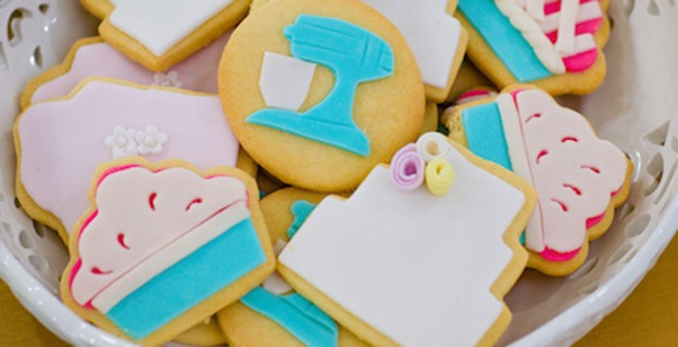 French Patisserie Baking Themed Birthday Party via Kara's Party Ideas KarasPartyIdeas.com Tutorials, printables, cake, decor, supplies, giveaways and more! #frenchpatisserie #parisbirthdayparty #frenchpatisserieparty #partispatisserie #bakingparty #karaspartyideas #girlpartyideas #frenchparty (1)