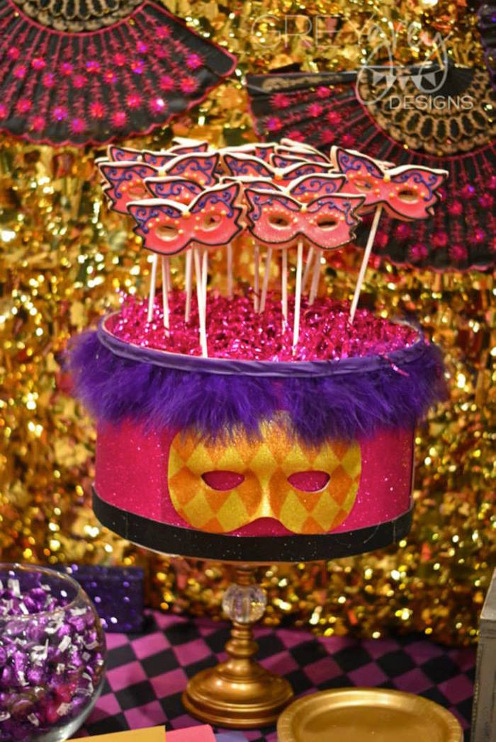 Kara 39 s party ideas masquerade 18th birthday party via kara for 18th birthday decoration