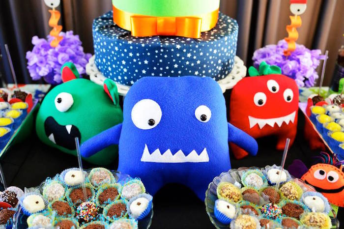 Kara S Party Ideas Monsters Aliens Themed Birthday Party