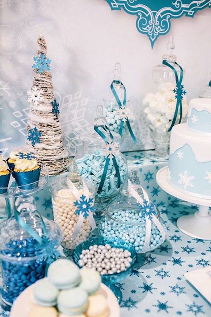 Kara 39 s party ideas frozen themed 5th birthday party via for 5th birthday decoration ideas