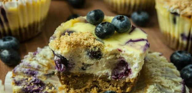 Mini Blueberry Vanilla Cheesecake Recipe via Kara's Party Ideas | KarasPartyIdeas.com #miniblueberrycheesecakerecipe (2)