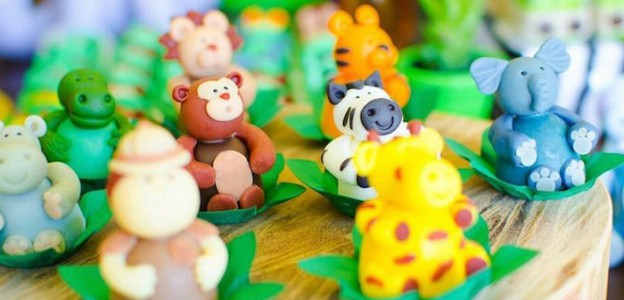 Safari themed birthday party via Kara's Party Ideas KarasPartyIdeas.com #safariparty (1)