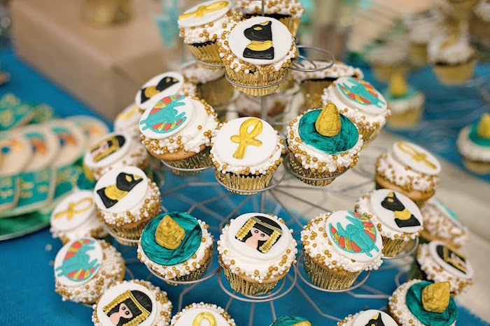 Cleopatra + Egyptian Themed Birthday Party Via Karau0027s Party Ideas  KarasPartyIdeas.com #egyptianparty (