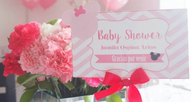 Minnie Mouse Baby Shower via Kara's Party Ideas   Cake, decor, banners, favors, tutorials, recipes and more! KarasPartyIdeas.com #minniemousebabyshower (1)