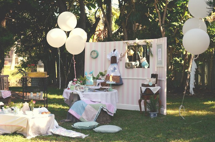 Vintage Cinderella Themed Birthday Party Via Karas Ideas