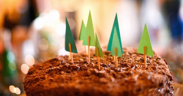 Woodland Forest Birthday Party via Kara's Party Ideas | Full of party ideas, printables, decor, recipes, tutorials and more! KarasPartyIdeas.com #woodlandforestparty (2)