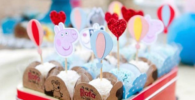 Peppa Pig themed birthday party via Kara's Party Ideas | KarasPartyIdeas.com (3)