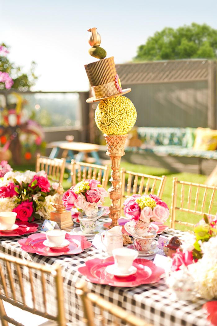 Kara 39 s party ideas alice in wonderland birthday party via - Alice in wonderland party decorations ideas ...