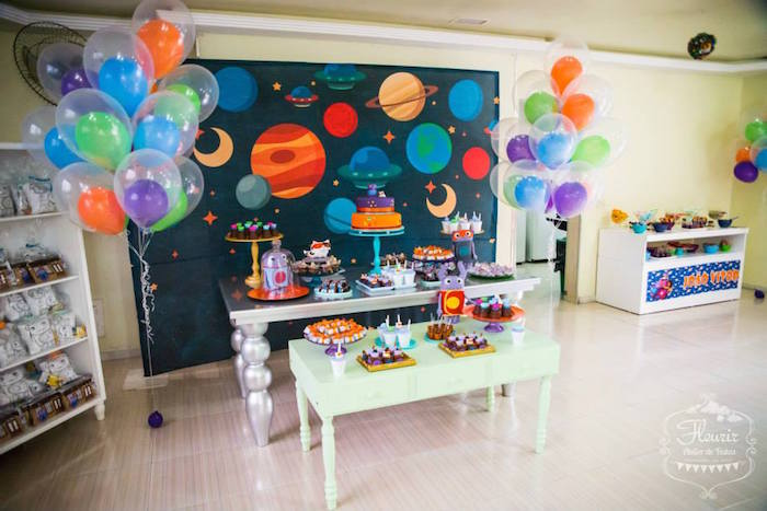 Home Inspired Alien Birthday Party Via Kara S Ideas The Place For All Things