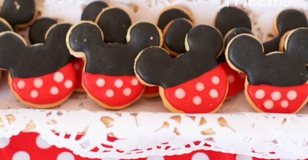 Minnie Mouse Birthday Party via Kara's Party Ideas | KarasPartyIdeas.com (3)
