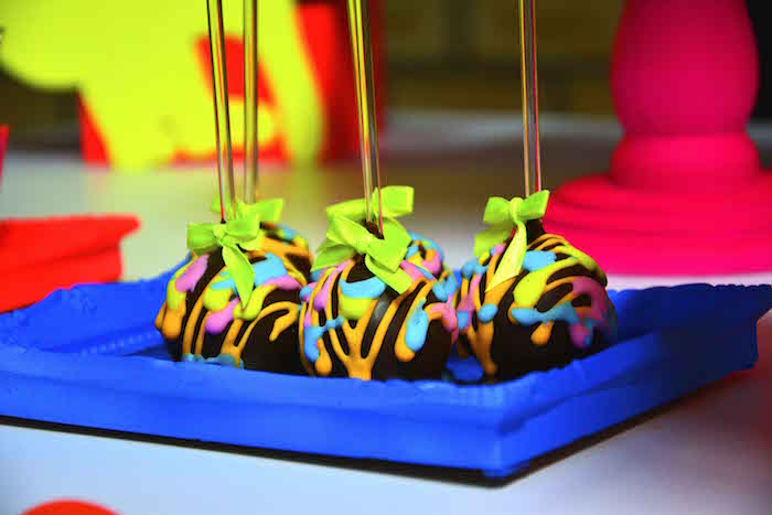 Kara S Party Ideas Neon Cat Tween Birthday Party Via Kara