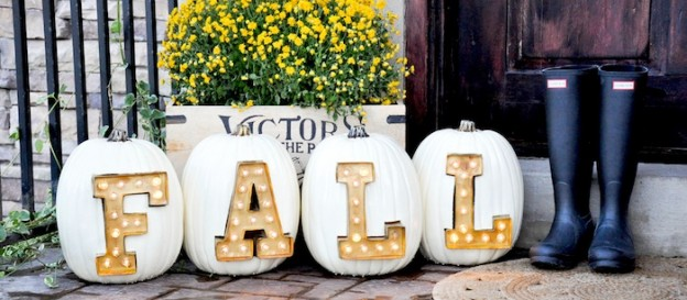 DIY marquee light Fall + Halloween pumpkin letters by Kara Allen | Kara's Party Ideas | KarasPartyIdeas.com #michaelsmakers