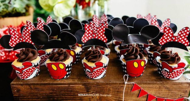 Cupcakes from a Minnie Mouse Birthday Party via Kara's Party Ideas | KarasPartyIdeas.com (1)