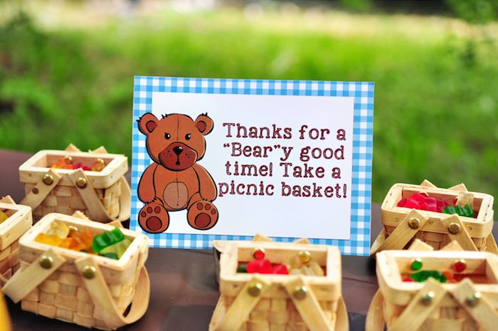 Kara S Party Ideas Gummy Bear Filled Picnic Favor Baskets