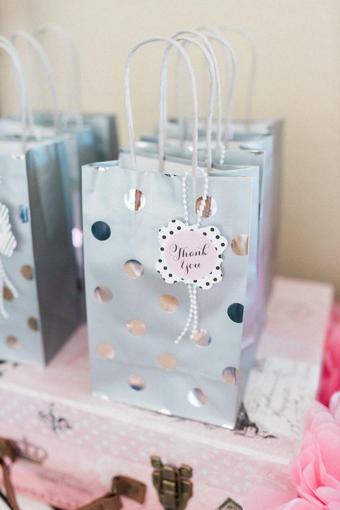 KarasPartyIdeas Favor Bags From An Elegant Minnie Mouse Boutique Birthday Party Via Karas Ideas
