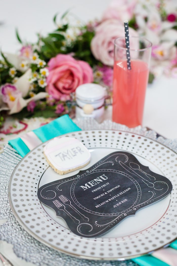 Kara 39 S Party Ideas Place Setting From A Floral Chic Sugar
