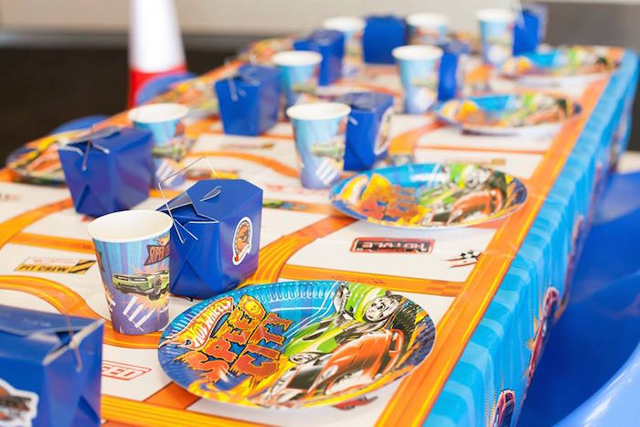 Kara's Party Ideas Kid's Dining Table from a Hot Wheels ...