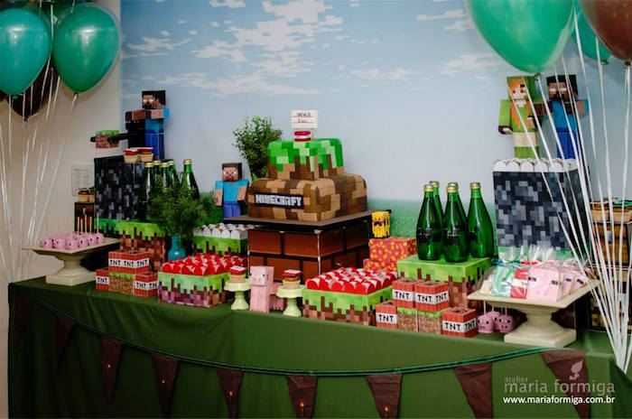 Kara 39 S Party Ideas Sweet Table Setup From A Minecraft Birthday