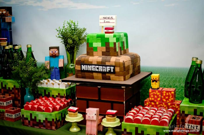 Kara S Party Ideas Steve And Creeper Minecraft Birthday Party Kara S Party Ideas