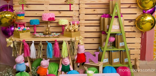 Party Setup from a Peppa Pig Birthday Party via Kara's Party Ideas | KarasPartyIdeas.com (1)