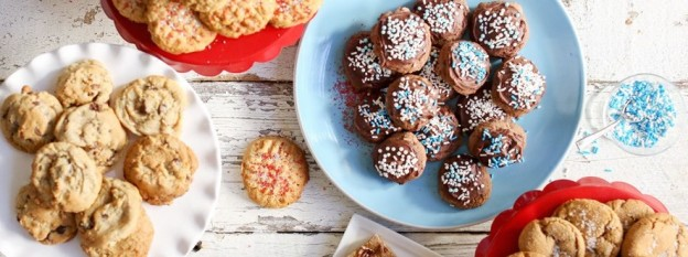 5 yummy cookie recipes from one cookie mix! Perfect for the holidays! The best cookies recipe via Kara's Party Ideas and Crisco!