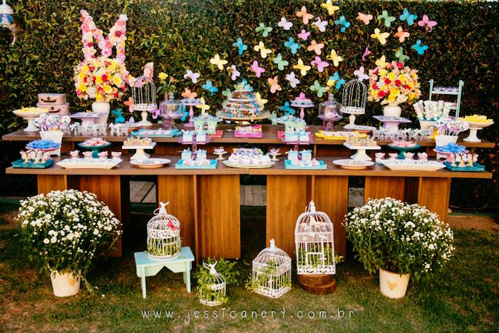 table of the garden party and Hosting a garden party can be a stressful event, but used these garden party table decorations to take out the hassle.