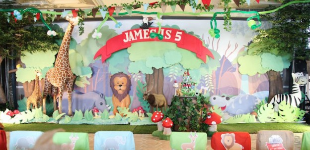 Backdrop from a Jungle Animals Birthday Party via Kara's Party Ideas KarasPartyIdeas.com (1)