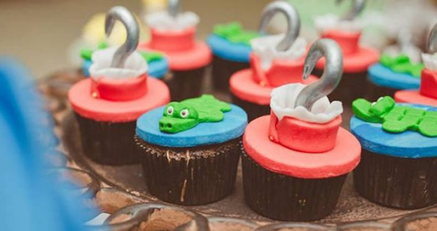 Cupcakes from a Peter Pan + Neverland Birthday Party via Kara's Party Ideas | KarasPartyIdeas.com (2)