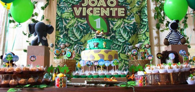 Sweet Table from a Safari Birthday Party via Kara's Party Ideas | KarasPartyIdeas.com (1)