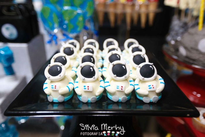 Astronaut Sweets From A Space Solar System Birthday Party Via Karas Ideas