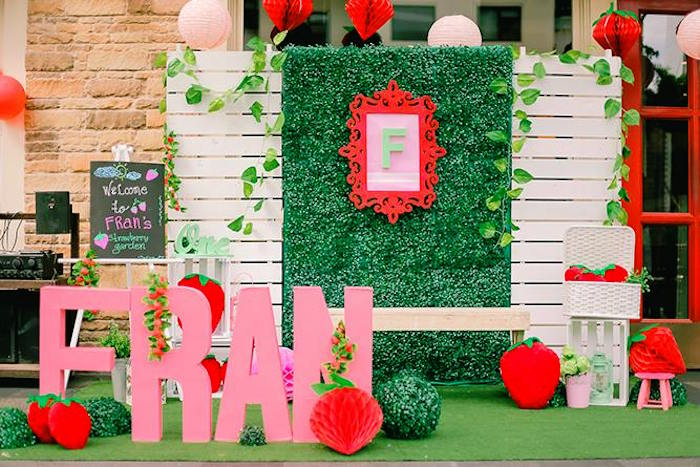 Karas Party Ideas Party Backdrop Photo Op from a Strawberry