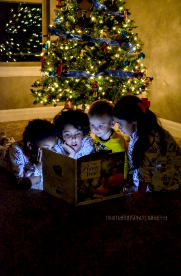 Christmas tree with kids reading tutorial | karaspartyideas.com
